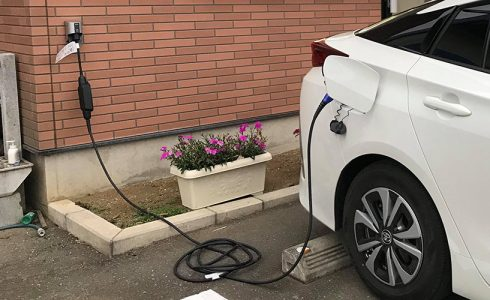 PHV充電用屋外コンセントを設置しました。